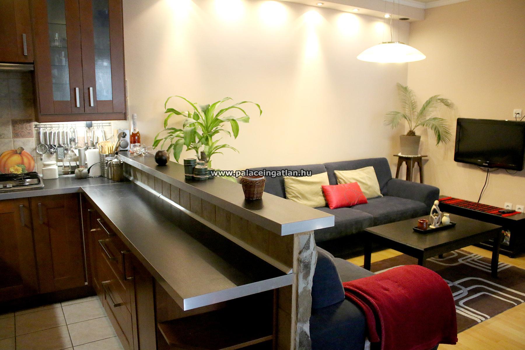 VI., Szív utcában nappali + 2 hálós, berendezett, erkélyes lakás ...